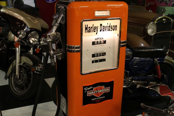 Bowser 585 Gas Pump Harley Davidson